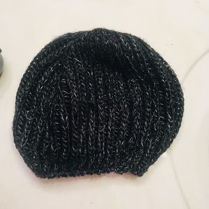 Black Sparkly Winter Beret Knit Hat